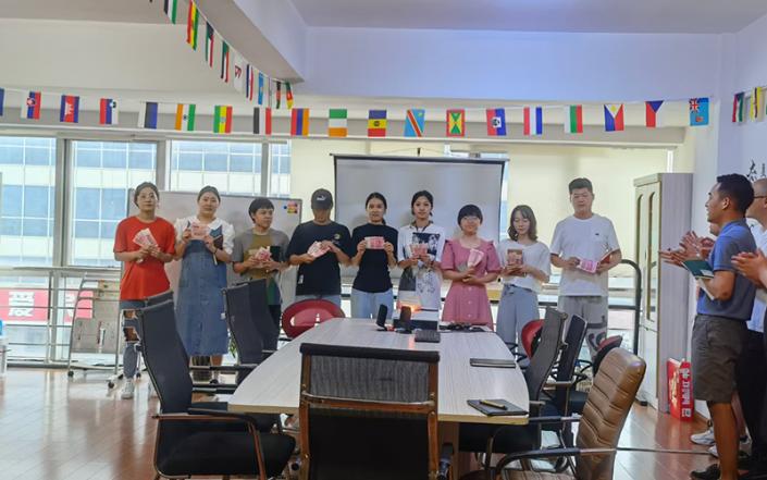 青岛展华威国际物流团队